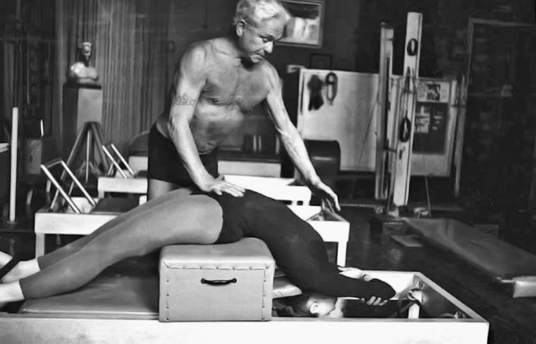 joseph-pilates-esercizi-equilibrio-pilates- (2) LQ